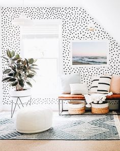 Inside The Bright Happy Home Of Sunny Circle Studios Erin Wheeler House Styles Bright Circle Erin Happy Home Studios sunny Wheeler Ideas Hogar, Deco Design, Design Design, Home Decor Inspiration, Decor Ideas, Wall Ideas, Room Ideas, Spiritual Inspiration, Inspiration Quotes