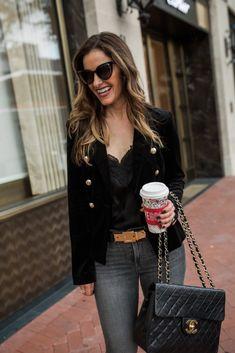 Street Style Squad | Dallas Fashion Blogger | BEAUTIFUL BLACK VELVET BLAZER WITH FRAYED COOL GIRL DENIM | https://www.streetstylesquad.com