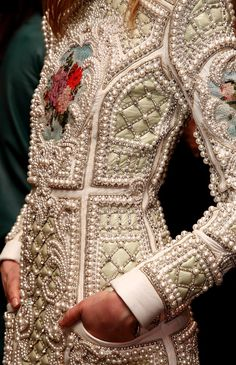 Broderies d'Art - Balmain