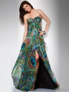 Peacock Wedding Ideas and Supplies: Stunning Jovani Peacock Prom Dress Peacock Wedding Dresses, Peacock Dress, Feather Dress, Dress Wedding, Wedding Reception, Beautiful Gowns, Beautiful Outfits, Mode Glamour, Bridesmaid Dresses