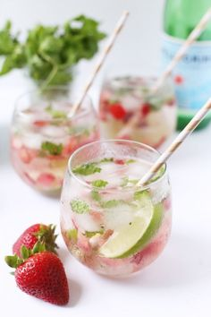 Strawberry Mojito from @cydconverse - Enjoy and happy summer, friends!