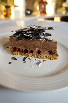 CHEESECAKE σοκολάτας με καφέ και φρούτα του δάσους