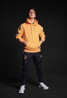 Goat Football, Cr7 Juventus, Argentina National Team, Mens Fashion Wear, Neymar, Football Players, Ronaldo, Bad Boys, Soccer