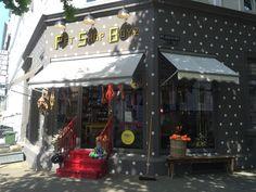 Ich war für einen Tag in Hamburg und haben den Pet Shop Boyz einen kleinen Besuch abgestattet. Was für ein kleiner traumhafter Laden. Darauf gekommen bin ich durch einen Beitrag auf dem Blog MyDog …