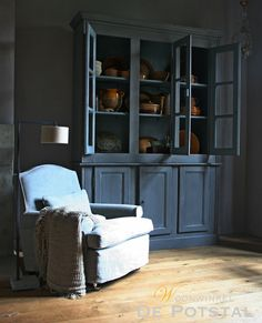 #chair #interior #closet #crockery #linen #lighting #limepaint #chalkpaint #linen