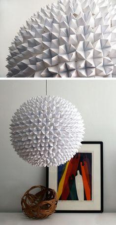 Lámpara de papel facetada según formas de origami
