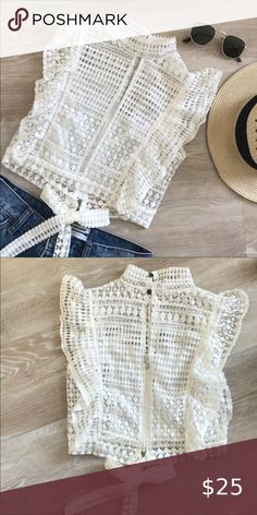 White Lace Crop Top, Lace Crop Tops, Chiffon Tops, Lace Tank, Crop Top Designs, Blouse Designs, Neat Casual Outfits, Girls Fashion Clothes, Fashion Outfits
