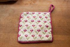 Posies Kitchen Set - Knitting Patterns and Crochet Patterns from KnitPicks.com by Edited by Knit Picks Staff