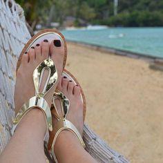 De pernas pro ar!!! ☀️☀️☀️ #paraíso #shoesoftheday @carmensteffens