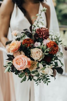 Orange Bridal Bouquet for Autumnal Wedding | By Rebecca Carpenter Photography | Bridal Bouquet | Wedding Bouquet | Wedding Flowers | Autumn Flowers for Wedding | Autumn Wedding Bouquet | Autumn Wedding Flowers | Orange Wedding Flowers | Peach Wedding Flowers |
