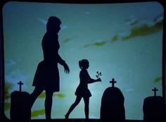 Dança de sombras - Shadow Theatre Group  Apresentação, do Shadow Theatre Group, no programa de TV Britain's Got Talent 2013. Uma história de amor contada através de dança e sombras refletidas. Simplesmente sensacional !