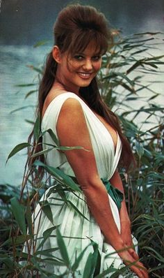 Claudia Cardinale 24 Femmes Per Second: nouveaux postes de belles femmes chaque semaine; weekly posts of beautiful women; Claudia Cardinale, Hollywood Icons, Hollywood Stars, Classic Hollywood, Italian Women, Italian Beauty, Classic Italian, Divas, Gina Lollobrigida