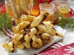 rundlarna i ett muffinsbleck. Christmas Cookies, Christmas Holidays, Baked Bakery, Something Sweet, Chicken Wings, Tapas, Cauliflower, Nom Nom, Brunch
