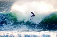 Tiago Pires - Frontside Re Entry 2 ©Bravo  #surf