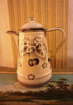 Enameled small French COFFEE POT airbrushed by villavillacolle
