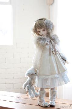 Isn't she lovely? ;____;<3                                                                                                                                                                                 もっと見る