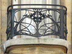 Ferronnerie du Balcon de l'hôtel Guimard avenue Mozart à Paris - Art Nouveau -  Hector Guimard