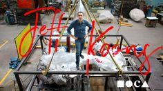 La carriera di Jeff Koons narrata da Scarlett Johansson in un video del MOCA di Los Angeles