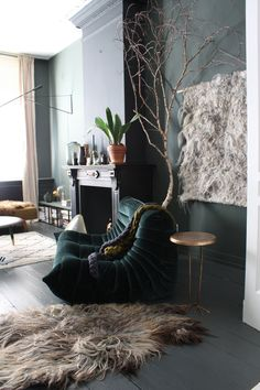 THE-NICE-STUFF-COLLECTOR -Dark (green and black)-Velvet sofa- Theo-Bart