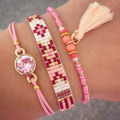 Fijne Bevrijdingsdag!  Deze armbandjes zijn ook als setje te shoppen: www.mint15.nl (link in bio) Summer Bracelets, Simple Bracelets, Bead Loom Bracelets, Cute Bracelets, Woven Bracelets, Jewelry Bracelets, Jewelry Making Beads, Beaded Jewelry, Handmade Jewelry