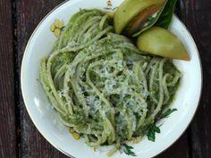 Spaghetti With Green Tomatoes (Spaghetti Con Pomodori Verdi)