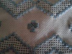 Aprenda a fazer um lindo bordado em Toalha de lavabo! - Artesanato