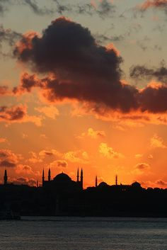 istanbul by ricascristo on Flickr.    Márcio/18/ Portuguese  sunset @ istanbul by ricascri...