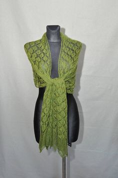 The forest veil  Greenery hand knitted lace shawlwoman's #greenery #forest #handmade #knit #lace #shawl #woamn #fashion