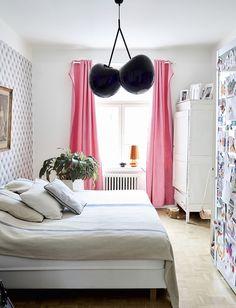 Lumi Accessoriesin perustajan kodissa yhdistyvät upeasti antiikki ja design Decor, Furniture, City Apartment, Apartment, Home Decor, Bed