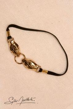 Bracelet de sexe en plaqué or avec 2 têtes de serpents. Il stimule vos érections et magnifie votre pénis.