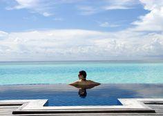 6 Honeymoon Hotels with Incredible Plunge Pools - Anantara Dhigu Resort & Spa, Maldives #honeymoon #travel #luxury #Asia