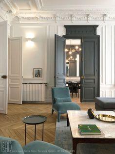 Door Design, House Design, Interior And Exterior, Interior Design, Parisian Apartment, House Siding, Living Room Decor, Sweet Home, New Homes