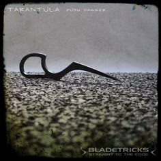 Bladetricks pocket size Tarantula push dagger