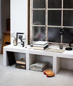 Een goed idee voor woonkamer, dit lage dressoir gemaakt van cellenbetonblokken. Perfect om al je mooie spullen uit te stallen. KARWEI heeft deze simpele klus voor je beschreven in een duidelijke klusomschrijving.
