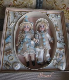 "16cm ""Pierrot Twins"" in presentation box."