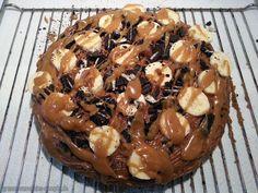 Jetzt mal ehrlich: wer will bei diesem Kuchen nicht einmal kurz Mrs.Smoothies sein?   http://www.gruene-smoothies-rezepte.de/vegan-wednesday-116-porridge-hokkaido-oreo-bananen-kuchen/