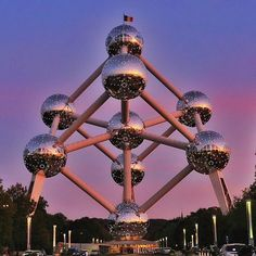 Good night from #brussels #atomium #belguim #goodnight #boring #europe #trip #holiday #vacation #winter #cold #relaxing
