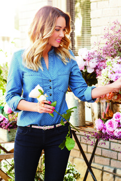 lc lauren conrad: polka dot print chambray top + dark wash denim jeans