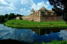 Cetatea Făgăraș Romania, Mansions, Country, House Styles, Image, Beautiful, Home Decor, Decoration Home, Rural Area