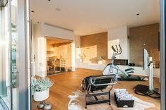 Interieur - Engelshove Bauhaus, Bungalow, Home Appliances, Sauna, Wellness, Website, Design, Simple Elegance, Home Architecture