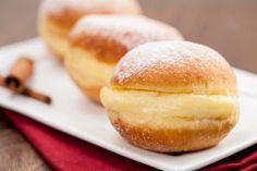 Sonho doce sem açúcar Ingredientes: – 500g de farinha de trigo – 1 tablete de fermento biológico – 4 colheres de sopa de adoçante dietético em pó para forno e fogão – 1 xícara de chá de leite desnatado – 4 colheres de margarina light – 3 ovos. Modo de Preparo: Junte toda a …