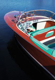 The Tritone is a mahogany runabout that first entered production in 1950 by Riva, a company that had been founded 104 years earlier in The Tritone Riva Boot, Bugatti, Ski Nautique, Wooden Speed Boats, Chris Craft Boats, Classic Wooden Boats, Wood Boat Plans, Vintage Boats, Old Boats