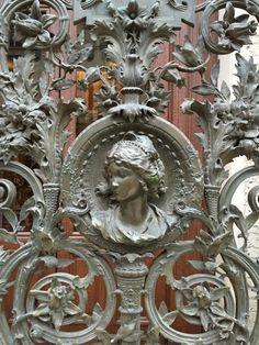Paris architectural details