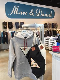 Unsere Sweater gibt es jetzt auch bei Marc & Daniel in der Hafencity #fun #store #fashion #feralstuff #startup