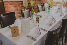 Table setting decoration idea for a rustic wedding // Pöytäkoristeluidea rustiikkisiin häihin