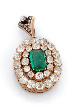 Трансформер брошь-подвеска золото 56 старинная русская работа 1860-е годы 1 уральский природный изумруд 1.85 карат  и бриллианты общим весом 6.37 карат
