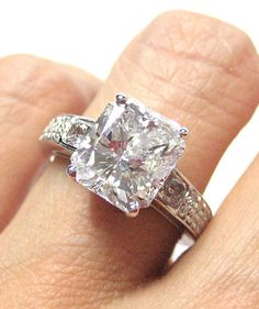 #Vintage Radiant-Cut Diamond E-Ring (5.11cts) (Credits: photo from Treasurly by Dima [etsy])