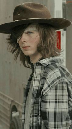 Chandler riggs/Carl Grimes cutest thing ever Carl The Walking Dead, The Walk Dead, Walking Dead Series, The Walking Dead Tv, The Walking Dead Poster, Walking Dead Quotes, Walking Dead Zombies, Carl Grimes, Riggs Chandler