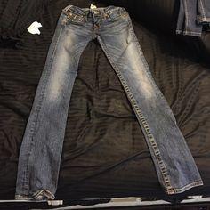 Selling this True Religion Billy Jeans size 24 in my Poshmark closet! My username is: jayemicgelle98. #shopmycloset #poshmark #fashion #shopping #style #forsale #True Religion #Denim