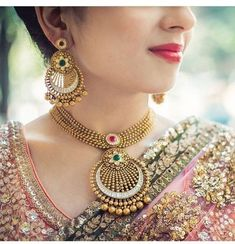 30 bridal gold necklace designs to check out before buying your wedding jewelery! Indian Wedding Jewelry, Indian Jewelry, Bridal Jewelry, Indian Gold Necklace Designs, Navy Gold, Maxi Collar, Gold Jewellery Design, Gold Jewelry, Earrings